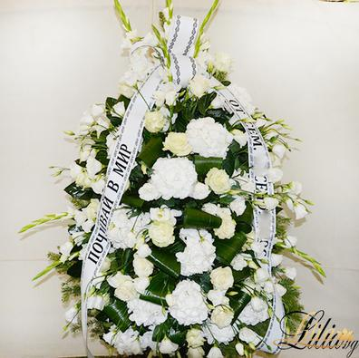 Funeral wreath with eustoma, rose, gladioli hydrangea